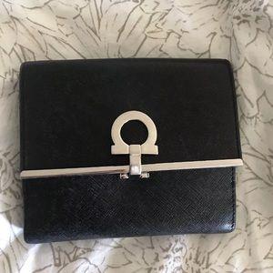 Ferragamo Gancini Ladies Wallet